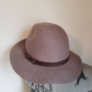 H&M womans hat